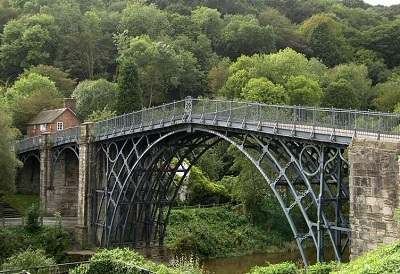 Coalbrookdale Bridge 1779 - first cast-iron bridge