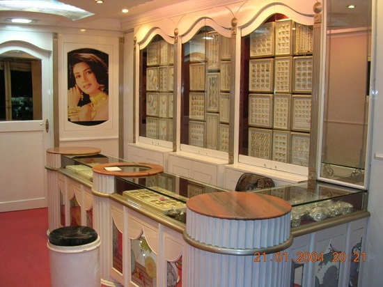Design Of A Jewellery Showroom By Archeng Designers