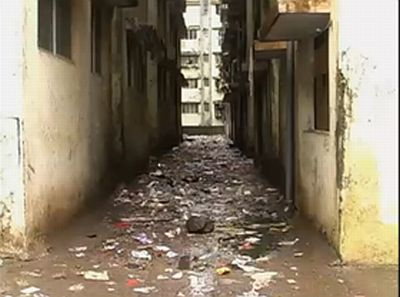 Unhygienic streets in Mumbai